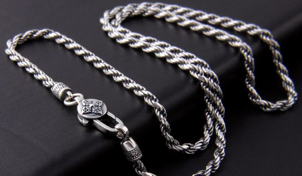Sterling Silver Vs Rhodium Plated – Which One Is Better