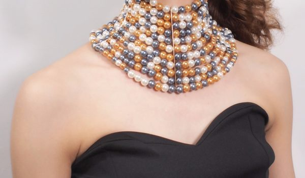 9 Best Necklaces For Strapless Dress