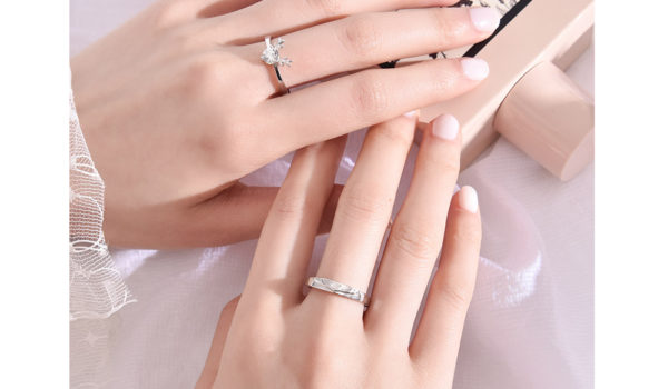 Promise Ring Vs Engagement Ring – Check The Differences Before Buying